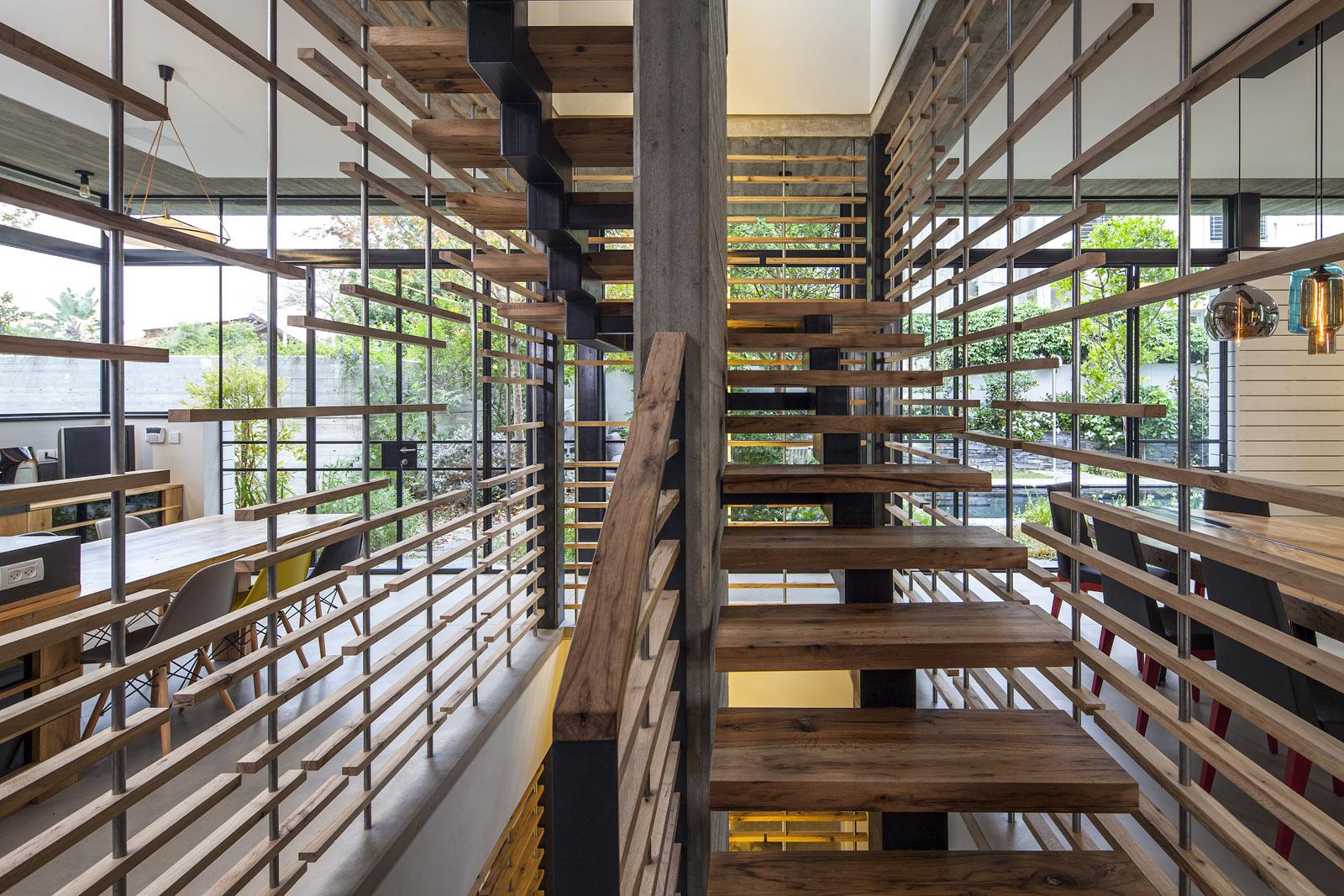 Zahala Residence II - Staircase 5