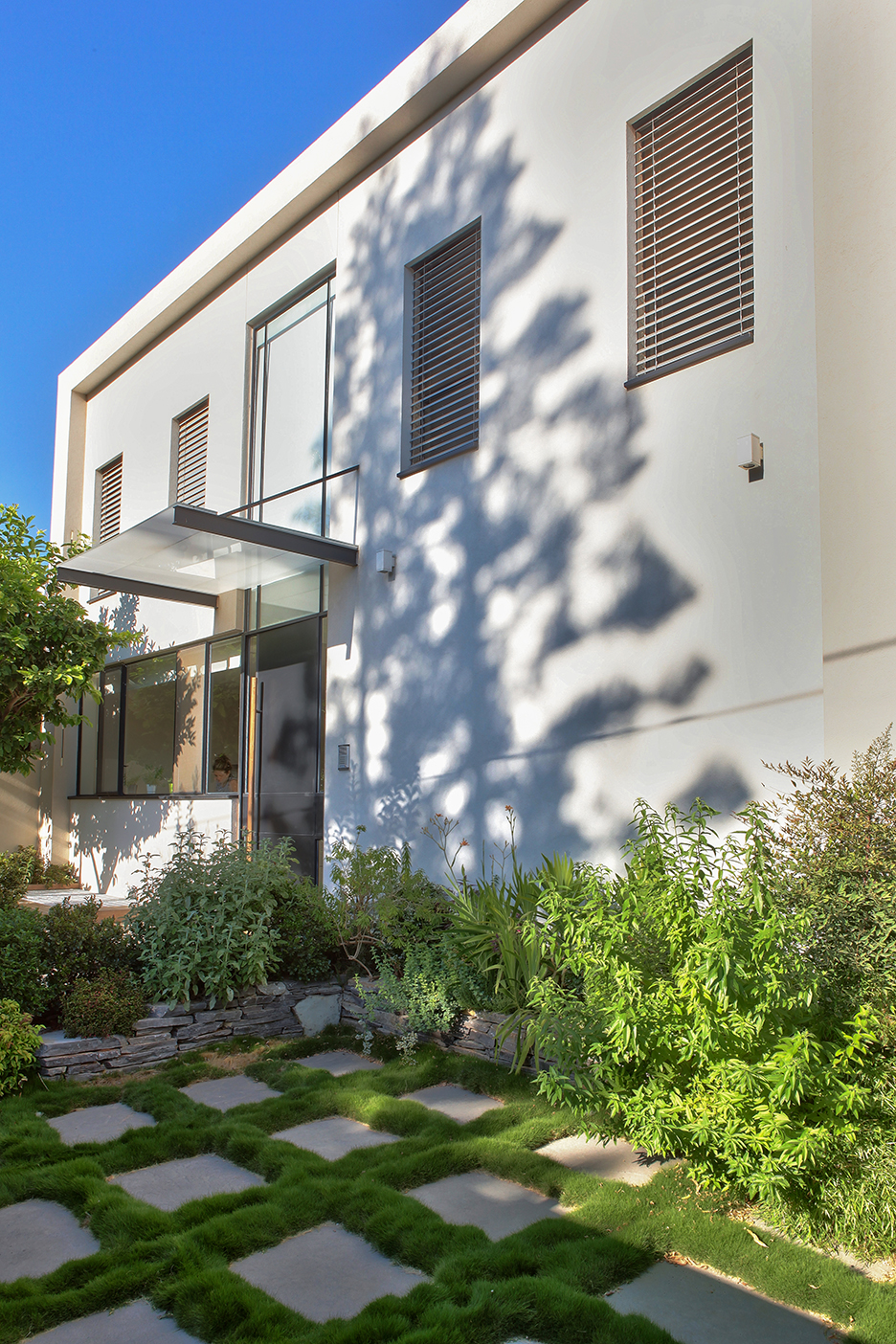 House in Ra'anana - Yard 1