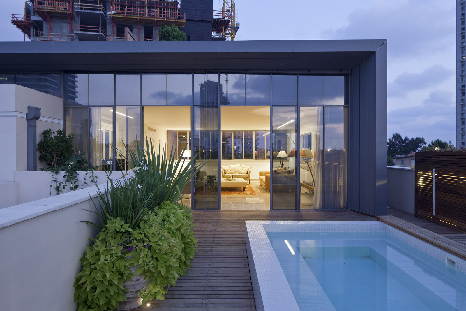 White City Residence - Pool 2