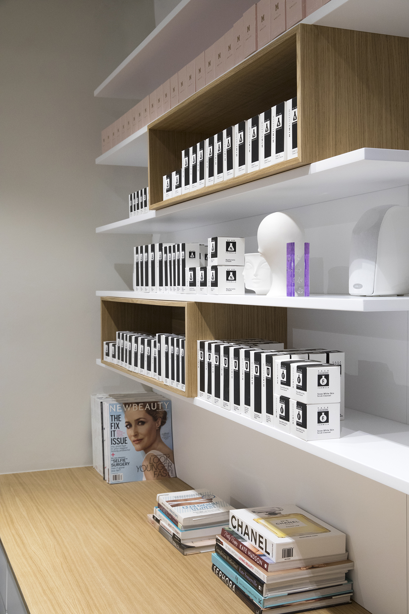 Mimi Luzon Beauty Parlor - Closet 4