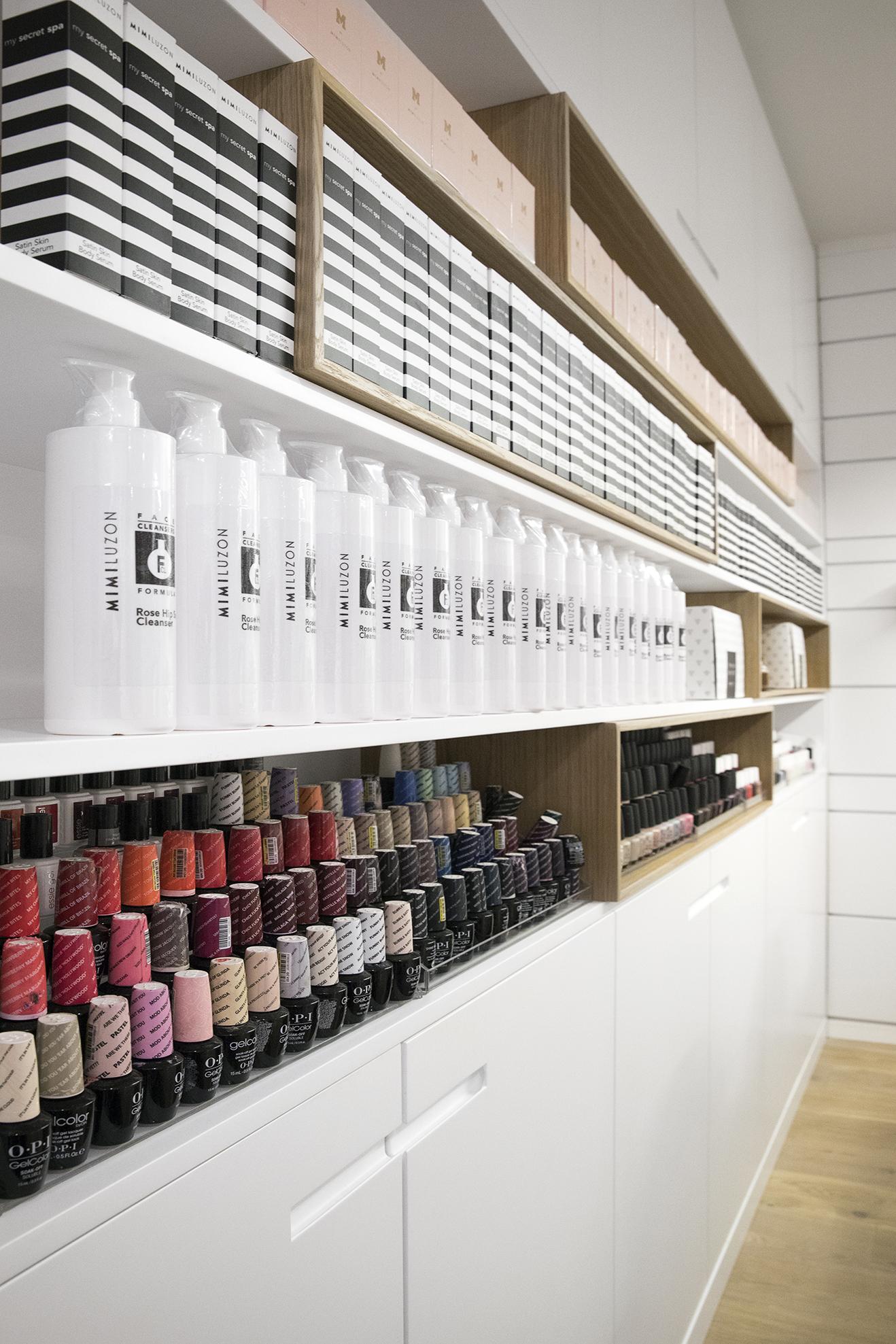 Mimi Luzon Beauty Parlor - Closet 5