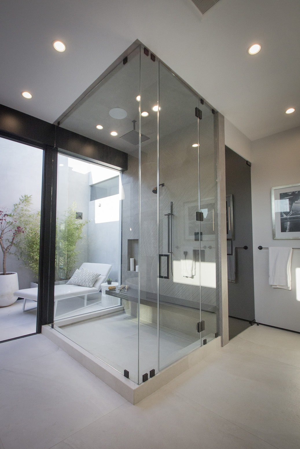 Maryland Drive House - Bathroom 1